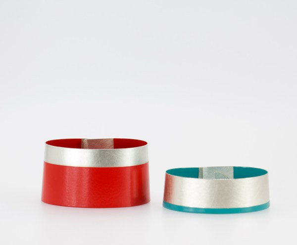 Bracelet. Silver nuanced bracelet_ Caludia Hoppe bracelets. jewelery, designer jewelery Barcelona. Crafts Barcelona