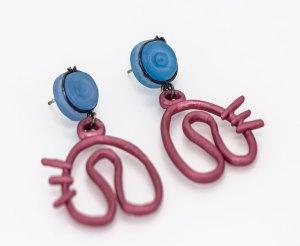 Pendientes gatito rosa , earrings_pink. Aluminio anodizado, ágata teñida, plata, pátina, Joyería Barcelona. Joyas de diseño. Earrings silver