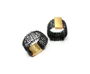 Joyería Barcelona. Barcelona Diseño. Joyería de diseño. Anillo tejido en hilo de plata . Frou Frou. Ring gold plated silver