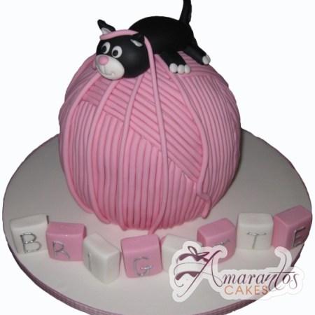 cat on wool cake