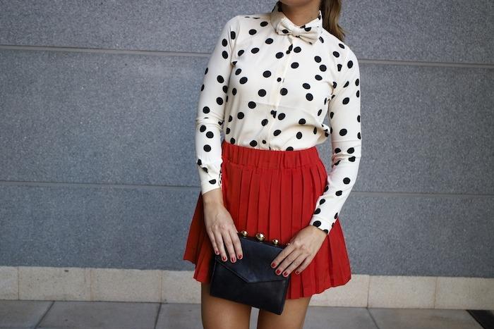 falda plisada camisa corazones compañia fantastica amaras la moda chloe borel zapatos 5