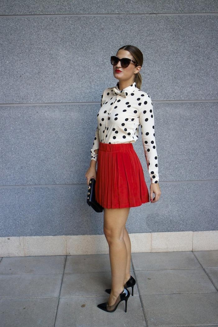 falda plisada camisa corazones compañia fantastica amaras la moda chloe borel zapatos 7