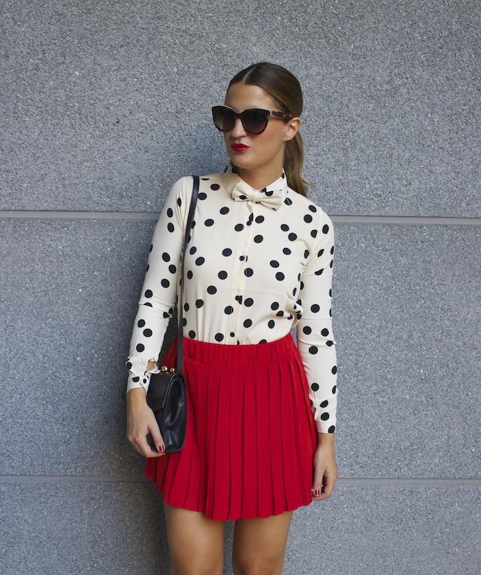 falda plisada camisa corazones compañia fantastica amaras la moda chloe borel zapatos 8