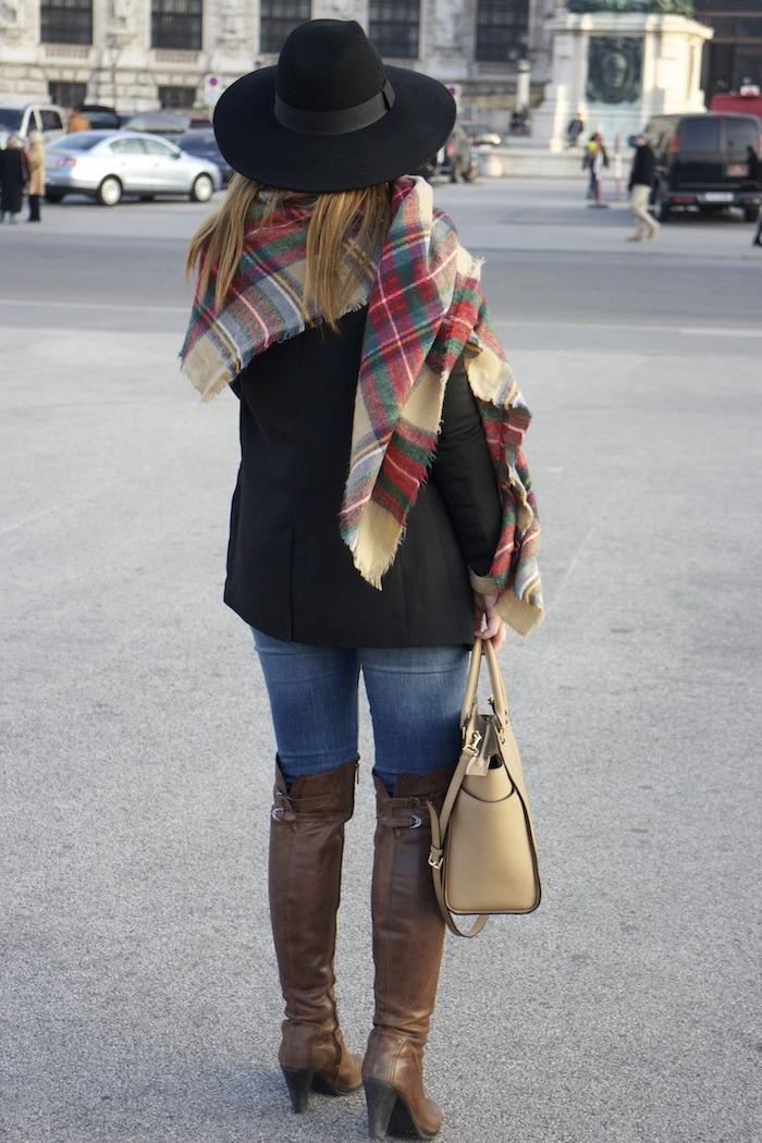 Viena sombrero sweater jeans Zara boots pons quintana blazer hym bolso pons quintana5