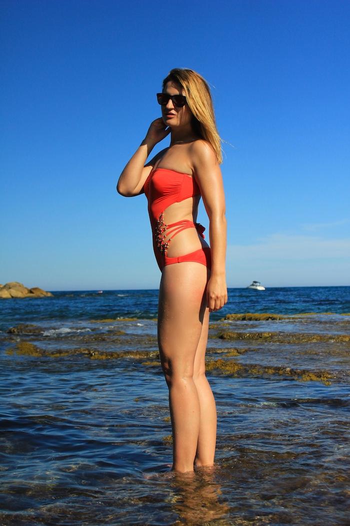 Dolores Cortés trikini coral Amarás la moda  1