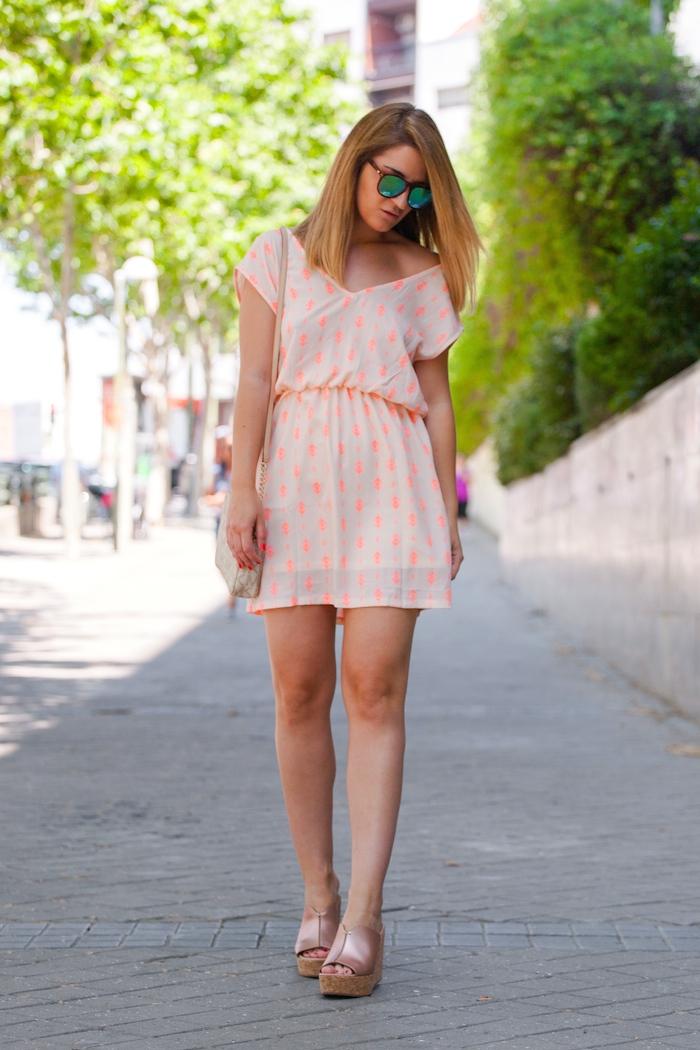 Vestido SuitTrendy amaras la moda Pilar Burgos zapatos . 2