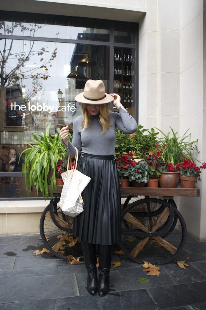 Louis vuitton bag leather skirt amaras la moda Paula Fraile6