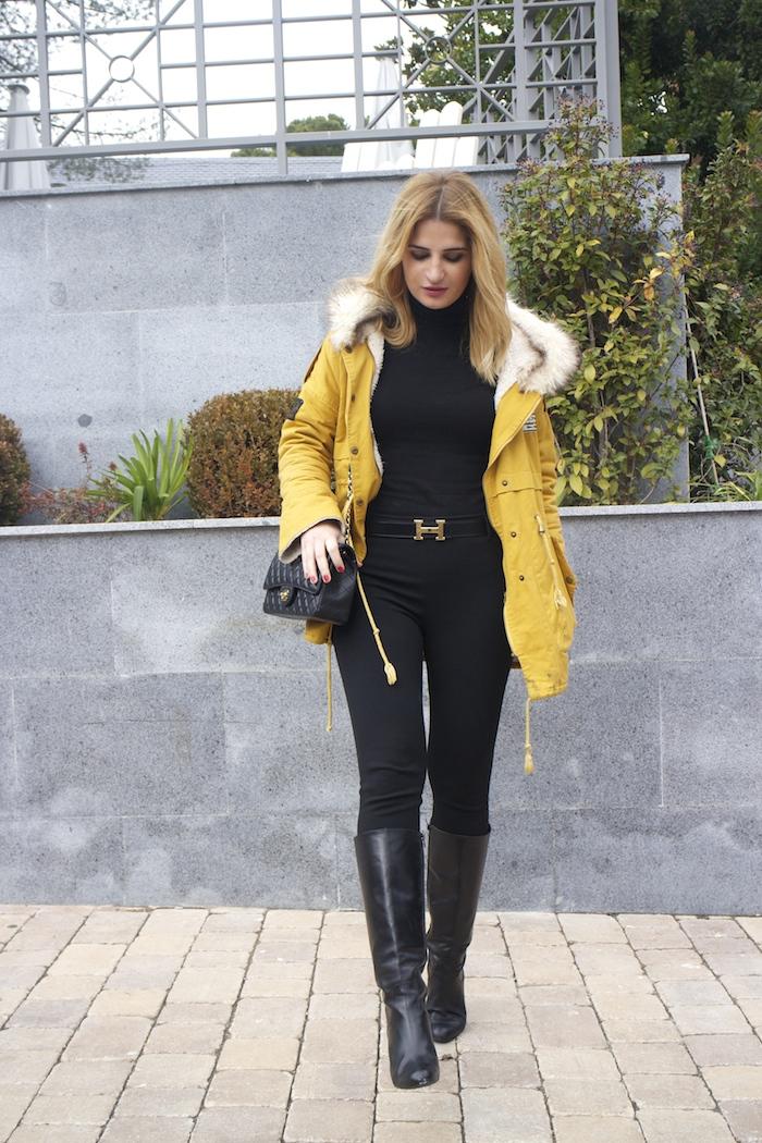 hermes belt sheinside parka chanel bag pilar burgos boots Amaras la moda Paula Fraile3