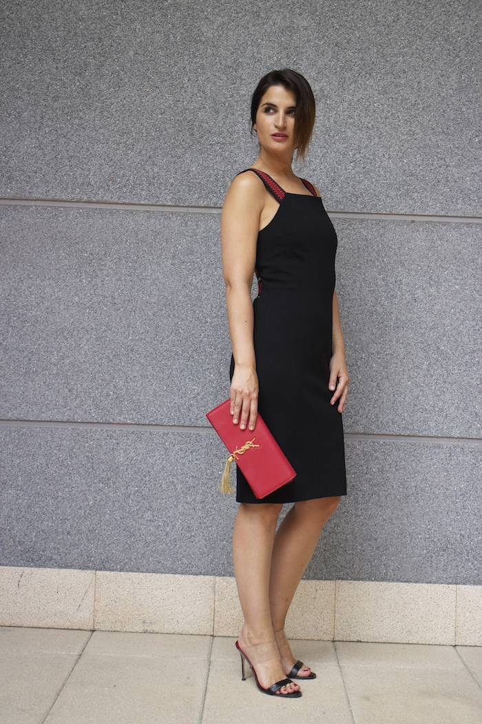 versace dress amaras la moda back carolina herrera heels yves saint laurent bag.2