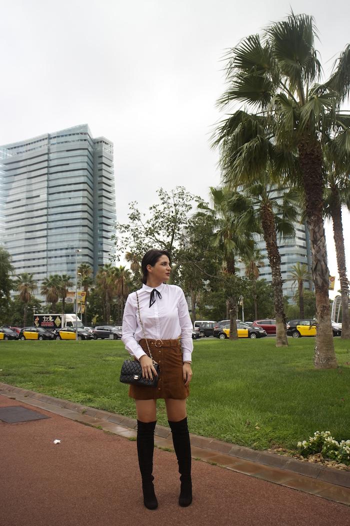 barcelona-embajadora-pulseras-the-rubz-over-the-knee-boots-camisa-la-redoute-amaras-la-moda-paula-fraile