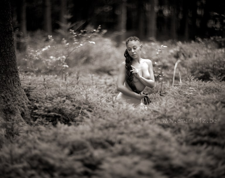 20180723_0003_Valentina in the Woods