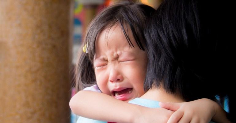 วิธีคุยกับลูกเมื่อคิดว่าถูกทำร้าย