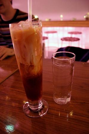 20041129_peep_dinner_thai_iced_tea