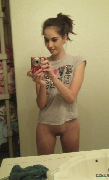 Hot Naked Girl Selfie Bottomless Pussy Fi