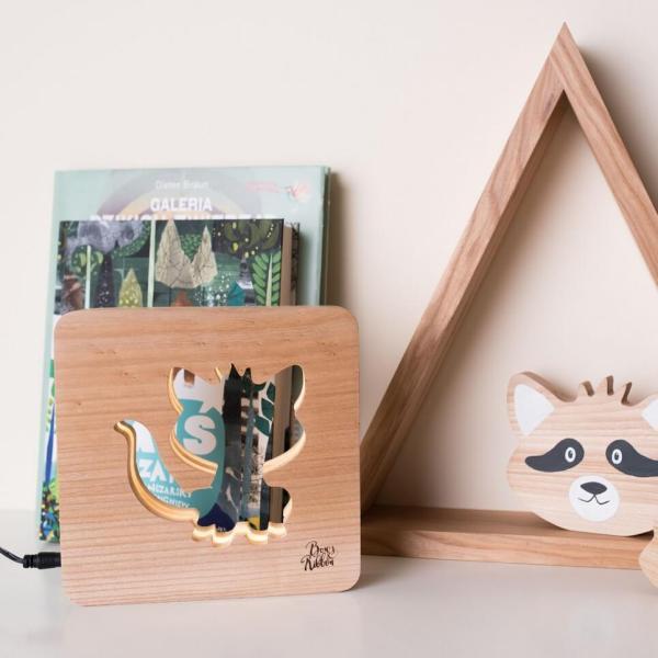 MSHWLH006 – Racoon Nursery Lamp – Elm Wood
