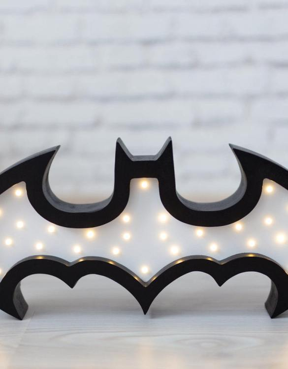 With a charming design, the Batman Wooden Night Light provides a reassuring glow for your little one, making it perfect for a nursery or kids room nightlight, or an interesting addition to any other space.