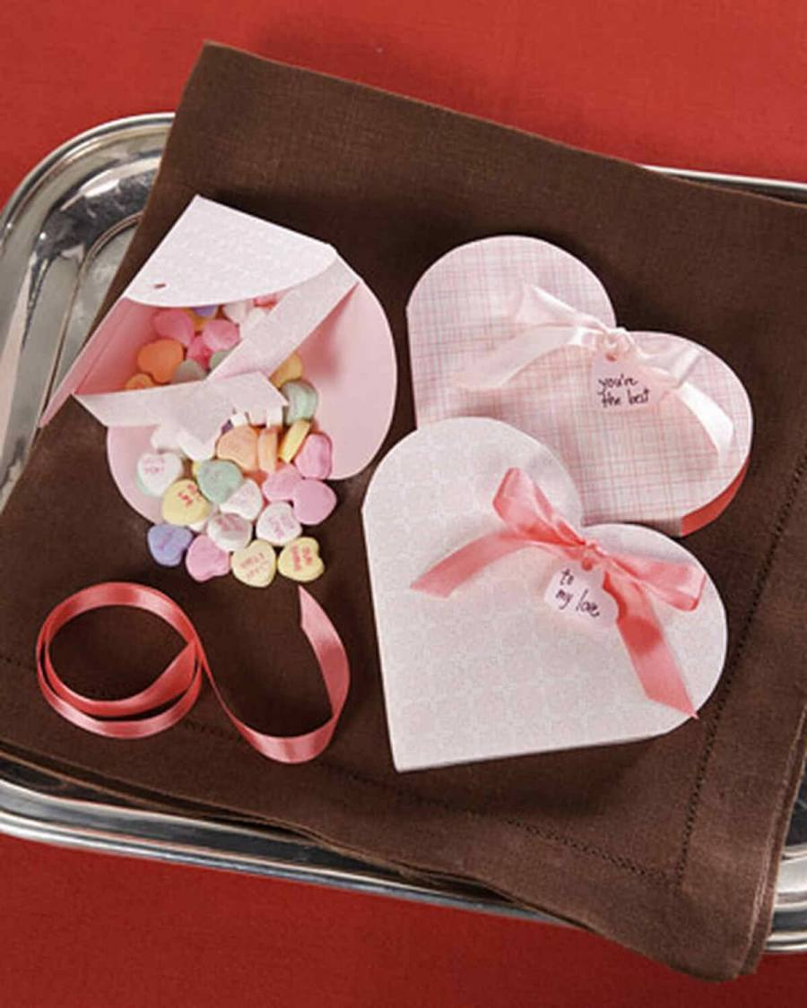 Give your Valentine's Day crush a sweet treat in one of these romantically embellished sacks.