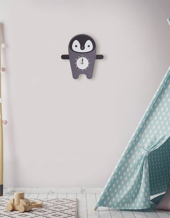 A great gift and a lovely addition to any nursery or bedroom, the Polly The Penguin Wall Clock is a great way of helping children learn to tell the time whilst offering a stunning wall decoration.