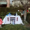 Perfect for any gathering whether it be an early morning breakfast, casual brunch or special occasion, the Striped Spring Tablecloth Playhouse will seduce the youngest and stimulate storytelling and adventure.