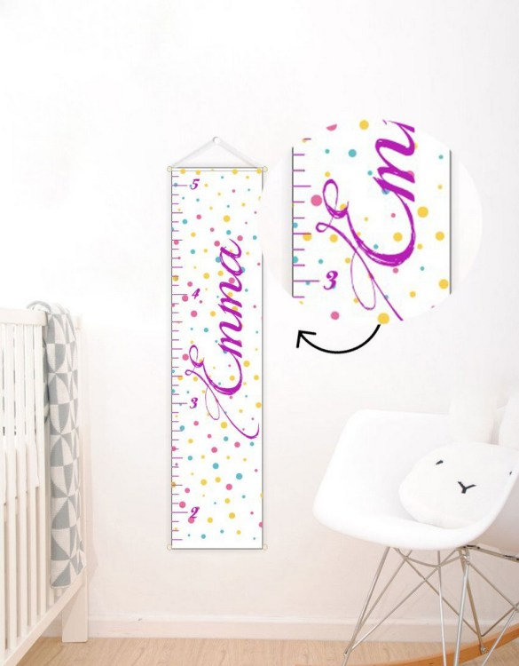 A perfect way to keep track of your little one's growth, the Colorful Dots Personalised Baby Growth Chart will brighten up any child's bedroom as well as provide a fun way to measure height.