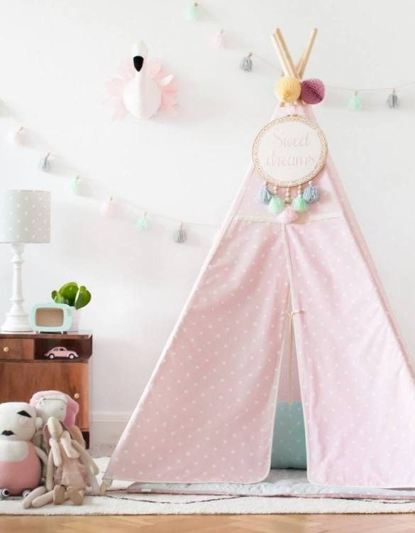 The perfect setting for imaginative play, the Lovely Dots Pink & Grey Children's Teepee is as good to look at as to play in. It can easily be used inside your home or in the garden as well as on the terrace.
