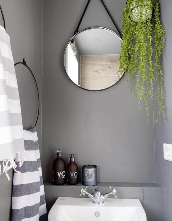 More absorbent and lighter than classical towels, the Mar Kitchen Hand Towel looks great in a bathroom or kitchen. This towel would make a truly special gift.