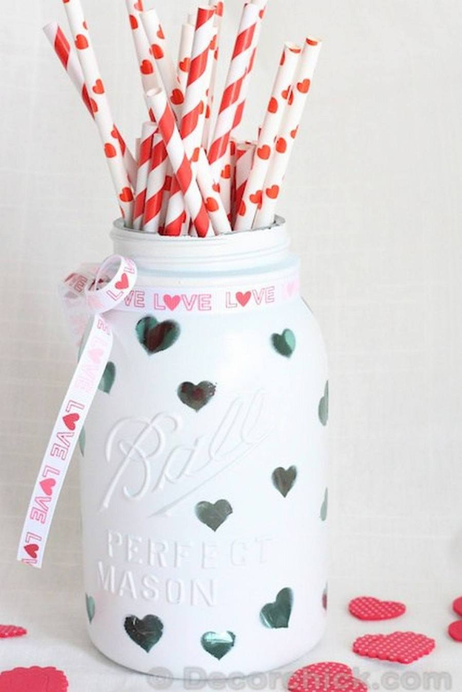 February 14 will be here before you know it, so start crafting now! These cute ideas for Valentine's Day crafts and DIY gifts will set your heart on fire.