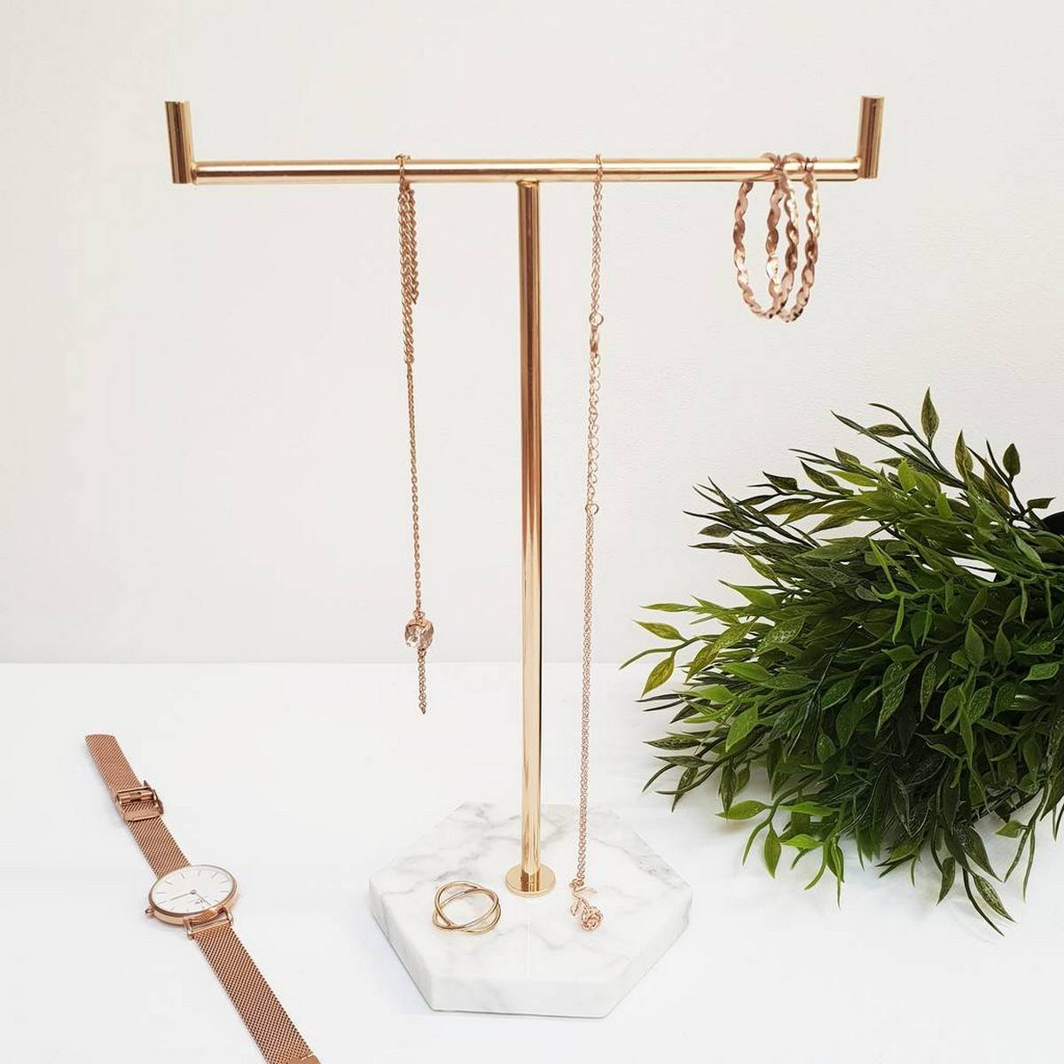 Jewellery Stand Designs : Unique necklace holder stand ideas that would make great gifts