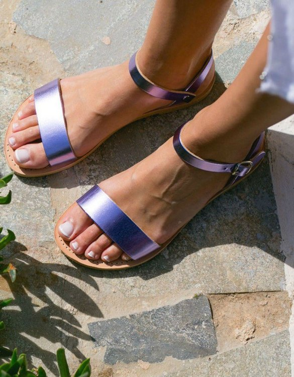Just what every summer wardrobe needs, the Aphrodite Metallic Purple Greek Leather Sandal is every woman's dream pair, super comfy and elegant, and easily combined with any outfit.