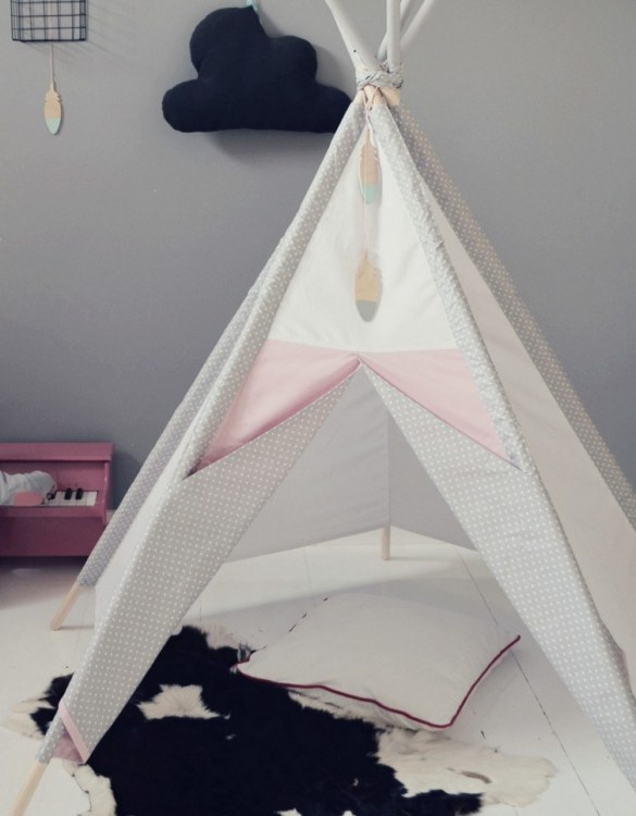 A perfect hideaway for tiny people, the Gray Dots Children's Play Teepee gives your little one the space they need to let their imagination flow.