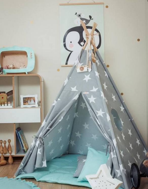 Let your little ones create their own little world with the Large Stars Children's Teepee Set with Mint Mat. It creates the perfect setting for imaginative role play providing endless hours of fun.