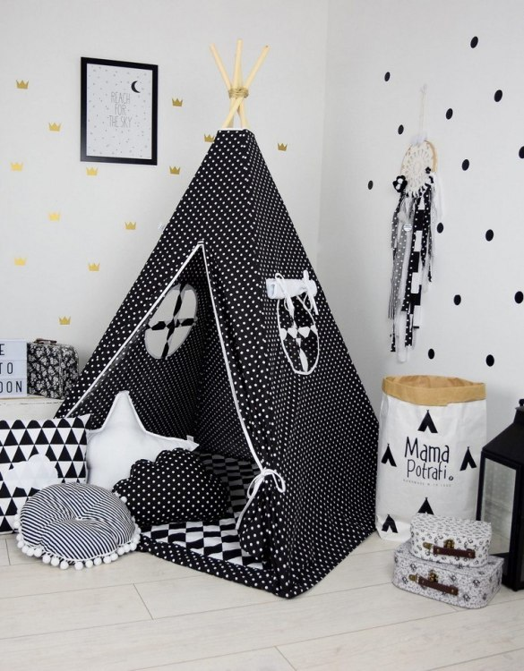 A perfect hideaway for tiny people, the Scandi Love Children's Teepee Set gives your little one the space they need to let their imagination flow.