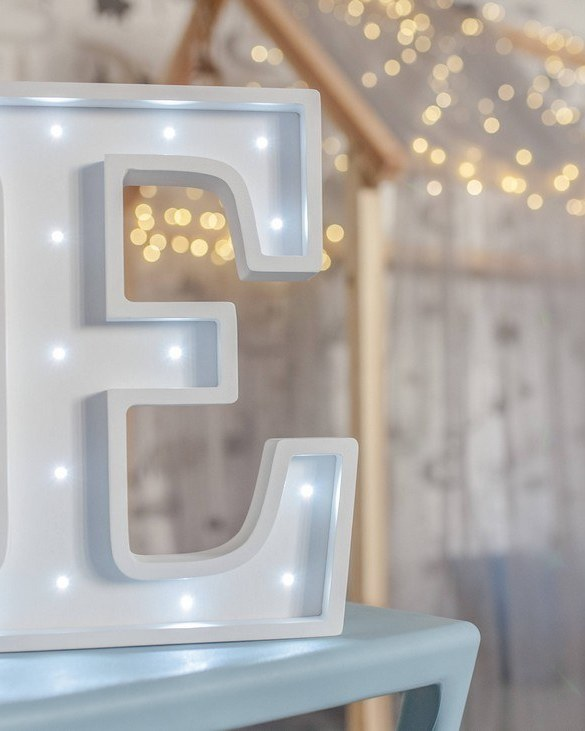 Certain to be a favourite in any family home the Letter E Marquee Light Sign creates a talking point which catches attention and expresses your passion for stand out design. Perfect for anyone who enjoys something a little different.