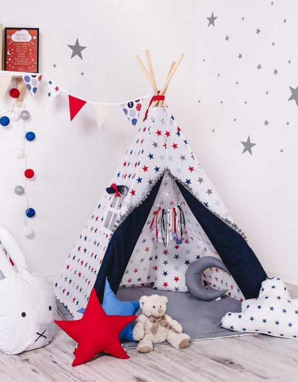 Give your little one the space they need to let their imagination flow with the Child's Teepee Set Sea's Constellations. This handcrafted children's teepee tent is a versatile play space which is as beautiful as it is fun.