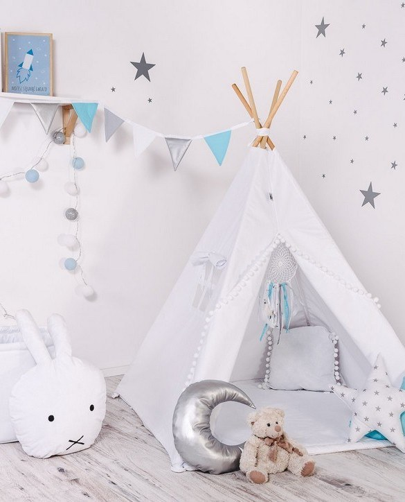 Give your little one the space they need to let their imagination flow with the Child's Teepee Set Paint Me With White Balls. This handcrafted children's teepee tent is a versatile play space which is as beautiful as it is fun.