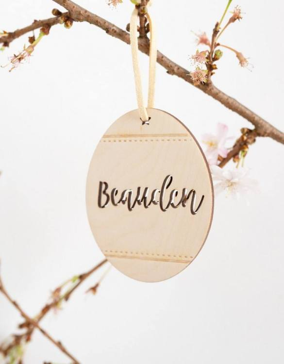 A detailed hanging decoration for Easter, the Patterned Easter Eggs Hanging Decoration that everyone will love to keep. Ideal as a way of marking the spring season, these personalised Easter decorations are great accessories for your celebration.