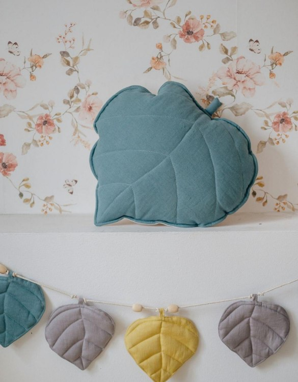 A great way to brighten up your child's room, the Eye Of The Sea Linen Leaf Cushion is perfect for colour lovers young and old, equally at home in an eclectic living room or a teenage bedroom. Brighten up your child's room or play space with this playful and charming character.