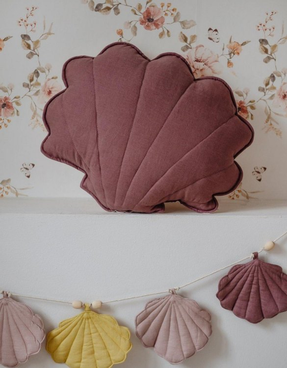 A great way to brighten up your child's room, the Marsala Linen Shell Cushion is perfect for colour lovers young and old, equally at home in an eclectic living room or a teenage bedroom. Brighten up your child's room or play space with this playful and charming character.