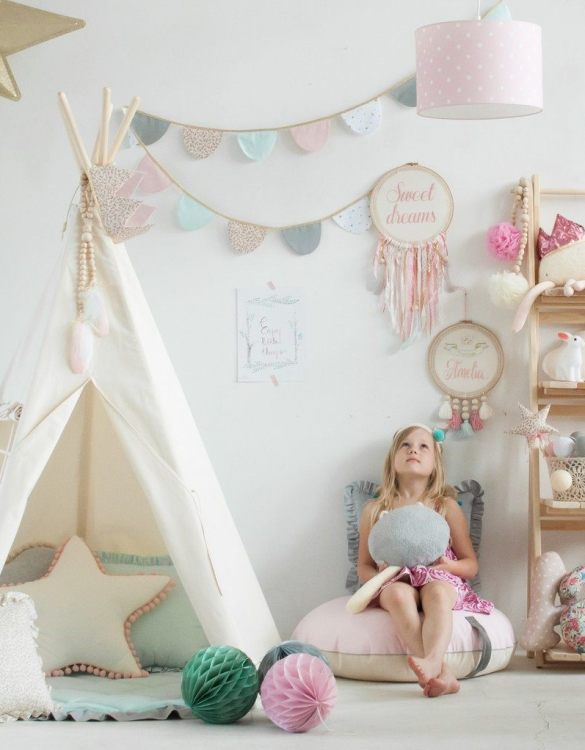 A beautifully handcrafted playtent for little adventurers, the Natural Children's Play Teepee is a versatile play space which is as beautiful as it is fun. Younger children will enjoy playing camp, hosting a tea party and allowing their imagination to run free (a shop one day a space rocket the next!).