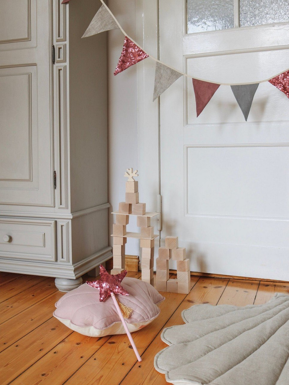 Pink and Gray Pennant Sequins Garland