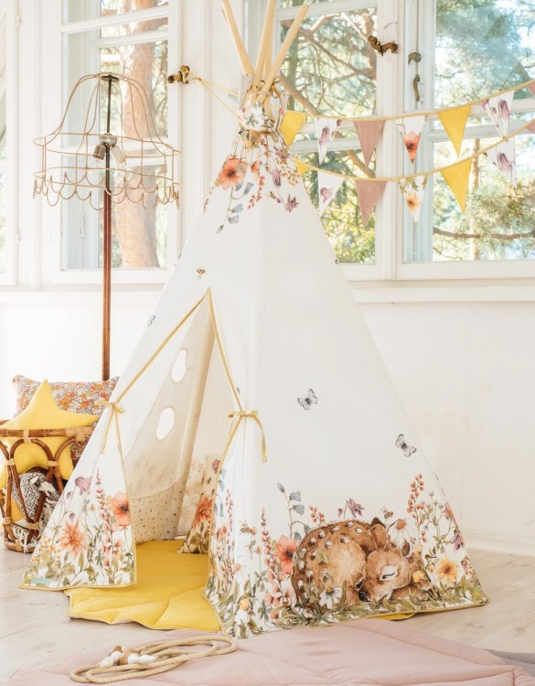 A beautifully handcrafted playtent for little adventurers, the Wildflowers Children's Play Teepee is a versatile play space which is as beautiful as it is fun. Younger children will enjoy playing camp, hosting a tea party and allowing their imagination to run free (a shop one day a space rocket the next!).