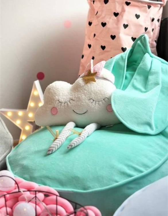 The perfect choice for toddlers and small children, the Bunny Velvet Mint Children's Bean Bag is awesome to rest, sit on it while watching tv, gaming or reading a book!