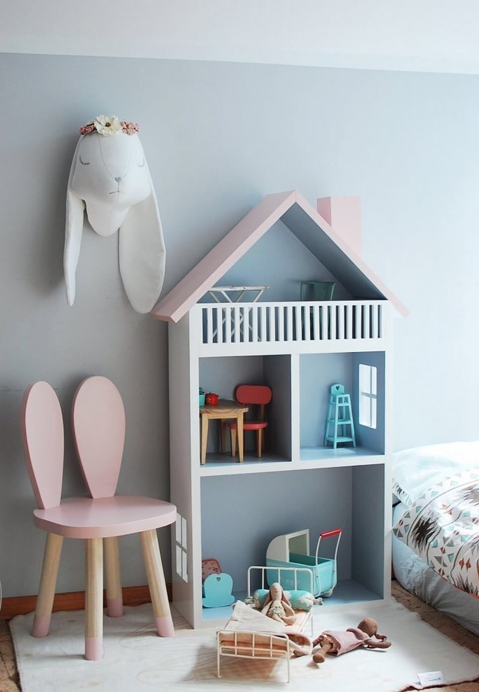 Doll's House Shape Shelf Unit