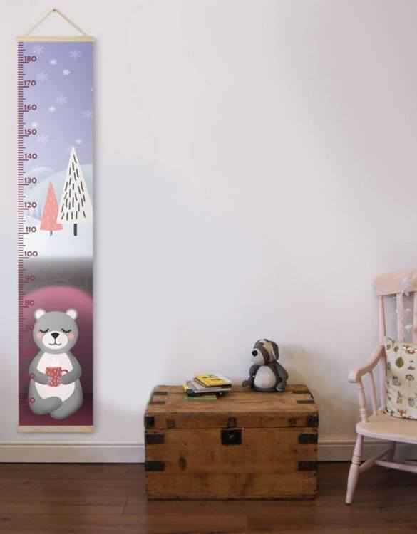 How high are your little creatures? Chart your child's growth development with the Personalised Bear Child Growth Chart. This personalised growth chart will look perfect in your children's bedroom, nursery or playroom.