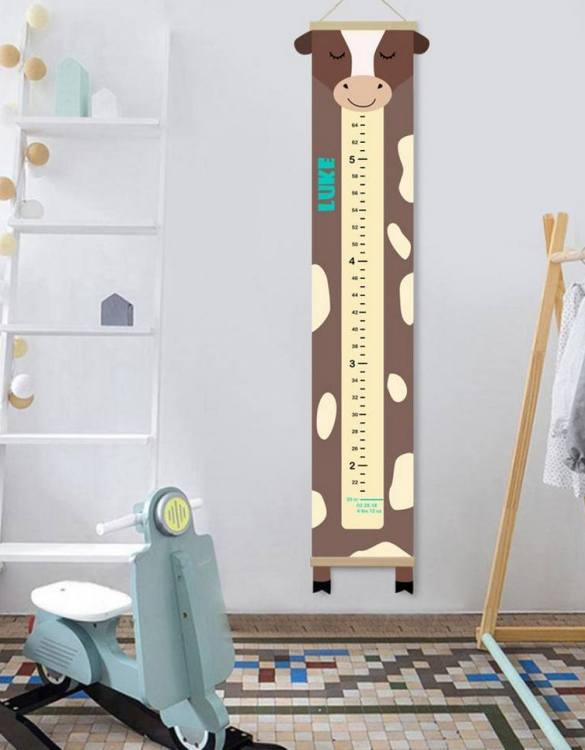 How high are your little creatures? Chart your child's growth development with the Personalised Cow Child Growth Chart. This personalised growth chart will look perfect in your children's bedroom, nursery or playroom.