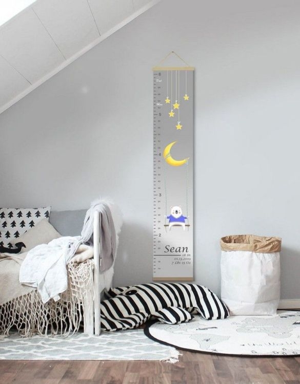 How high are your little creatures? Chart your child's growth development with the Personalised Star Child Growth Chart. This personalised growth chart will look perfect in your children's bedroom, nursery or playroom.