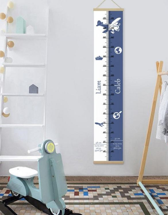 How high are your little creatures? Chart your child's growth development with the Personalised Travel Twins Growth Chart. This personalised growth chart will look perfect in your children's bedroom, nursery or playroom.