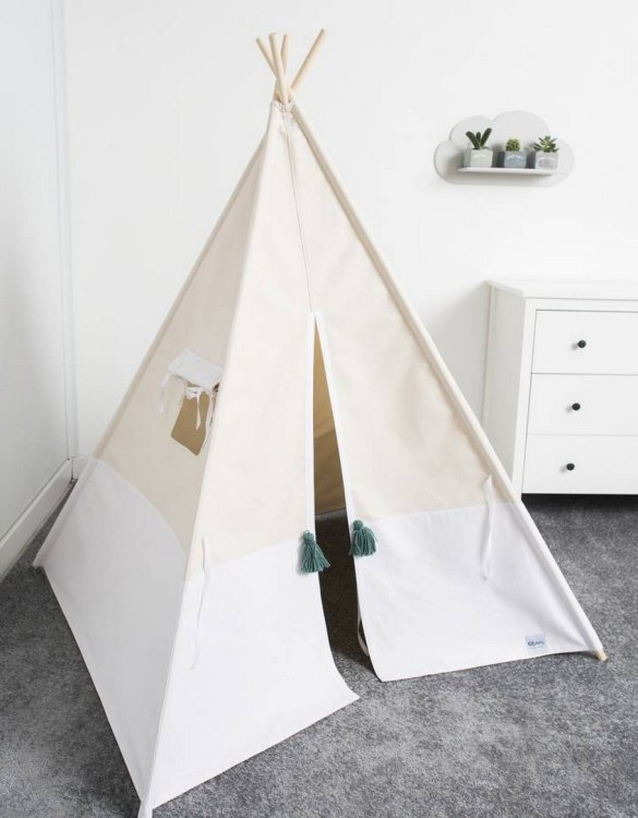 Watch your children create their own adventures with White Children's Play Teepee! Every little adventure needs their own space to let their imaginations run wild and this kids play tent is just perfect.