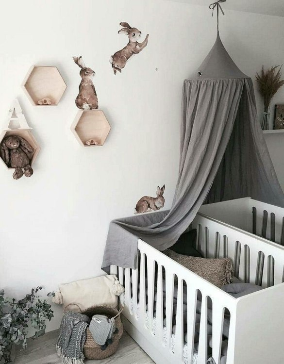 An ideal place to have fun both at home and outdoors, the Grey Linen Children's Bed Canopy is a great place for your kid to have a lot of fun. Combined with soft and comfy floor mat it will become a perfect and quiet fun corner.
