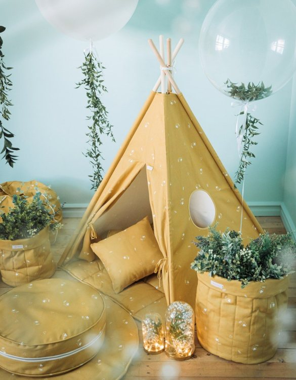 A perfect hideaway for tiny people, the Honey Mustard Children's Teepee Set takes you to the wonderland of fun, joy, and happiness. This decorative kids' play tent promotes imaginative play for your child and sets the perfect environment for your little one to create his own fantasy world.